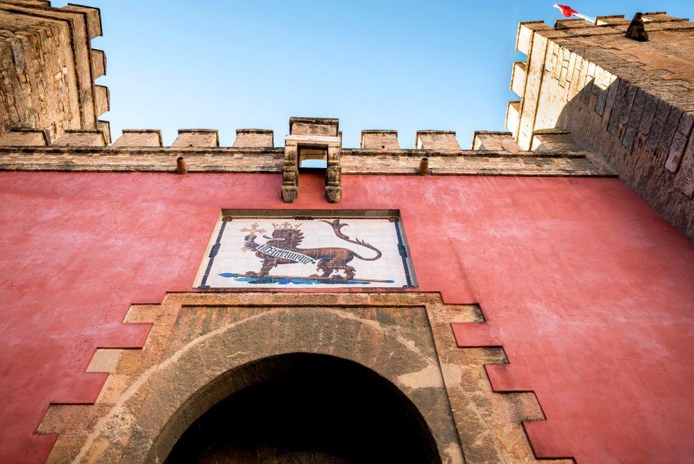 visite de l'alcazar de séville - porte du lion
