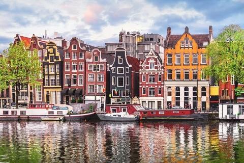 ou loger à Amsterdam - ou dormir - ou séjourner