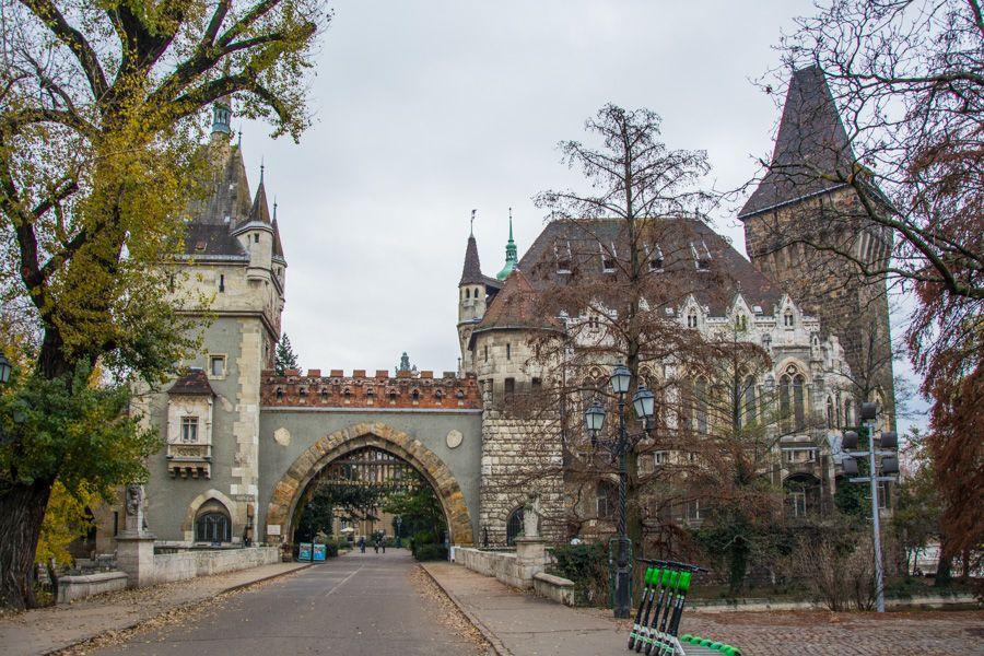 visiter budapest - chateau de Vajdahunyad
