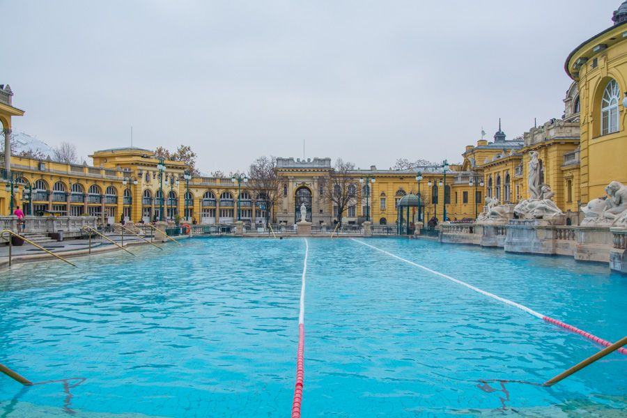 bains thermaux budapest
