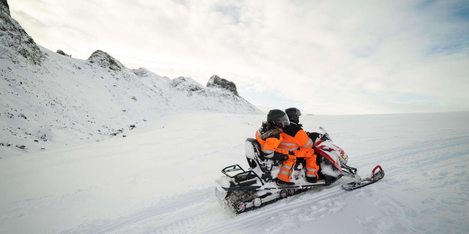 glacier - motoneige islande - credit getyourguide